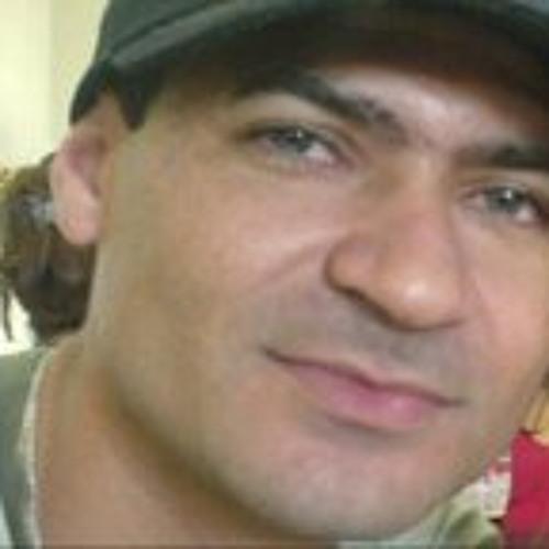 Luciano Carvalho's avatar
