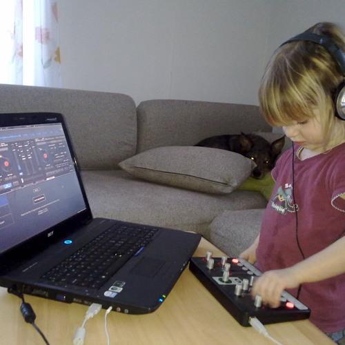 DJ DreamWorld's avatar