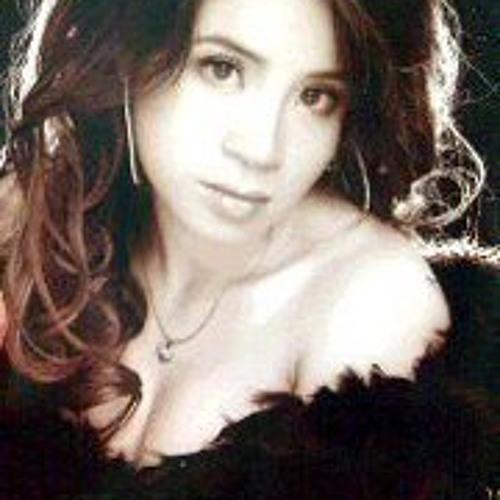 Yuen Siew's avatar