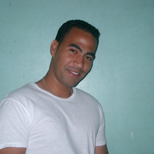Luis R. Maldonado's avatar