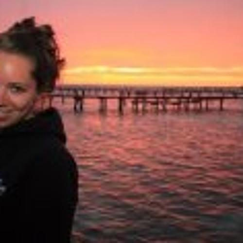 Danielle Law's avatar