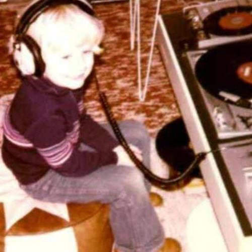 DJ Crisu's avatar