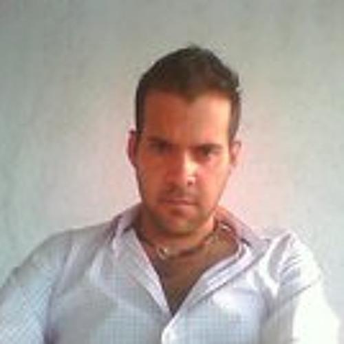 Mauricio Flores's avatar