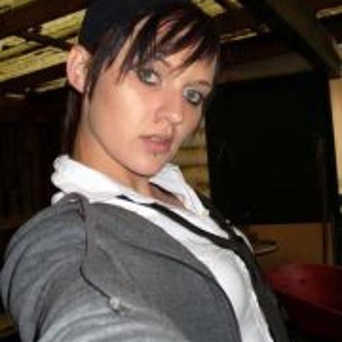 Natalie Lloyd 1's avatar