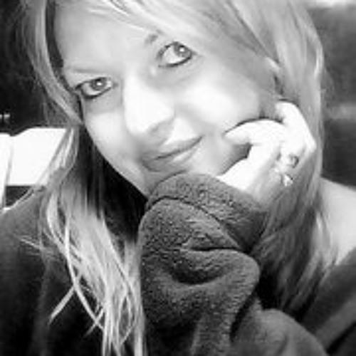 KayLee Mendonca's avatar