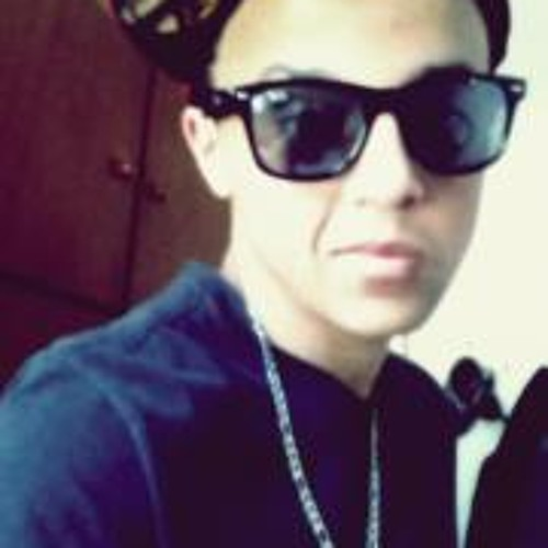 Rodolfo Flores's avatar