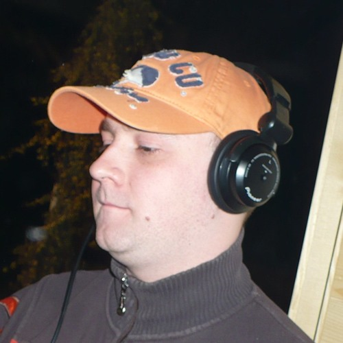 dj-ERNiE's avatar