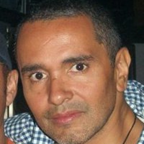 Robert Rosales's avatar