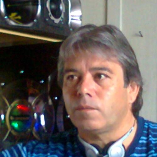 DJ Carlynhos's avatar