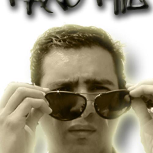 manomil 2HO's avatar