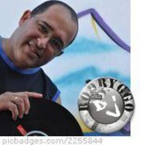 Rodrigo R. Soares's avatar