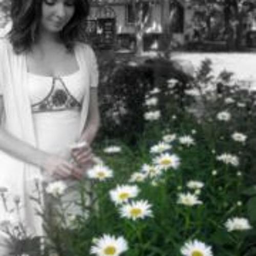 Elizabeth Brambila's avatar