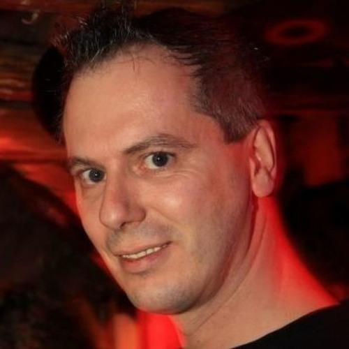 Frank Plomann's avatar