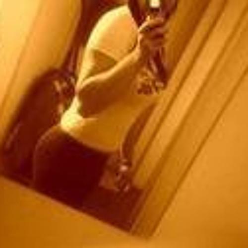 Vanessa Selbach's avatar