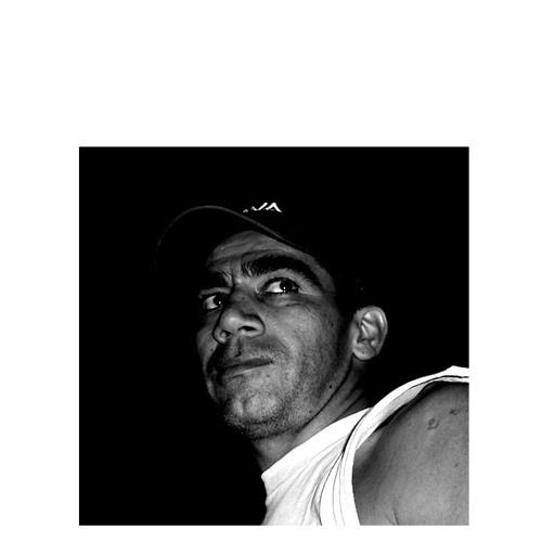 Miguel Alvaro's avatar