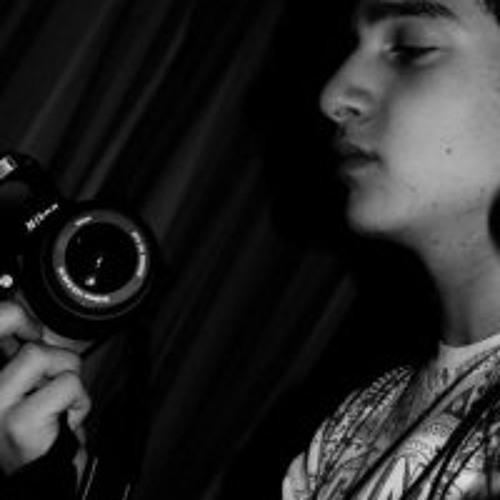 Davide Casalinuovo's avatar