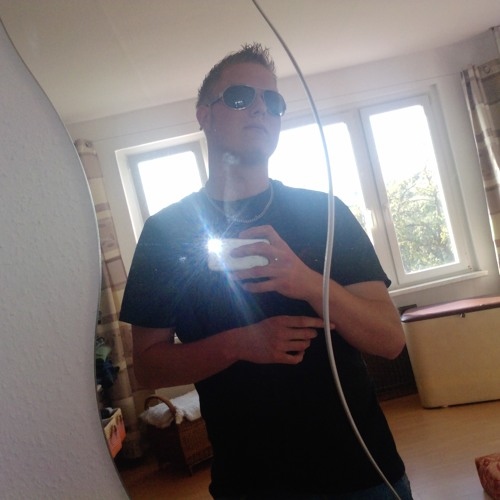 Tommy Riemann's avatar
