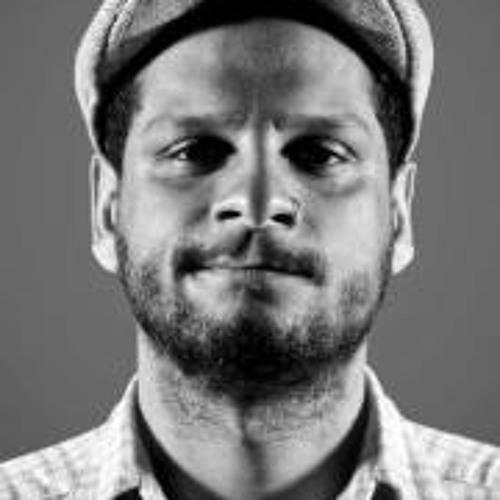 Renato Piri's avatar