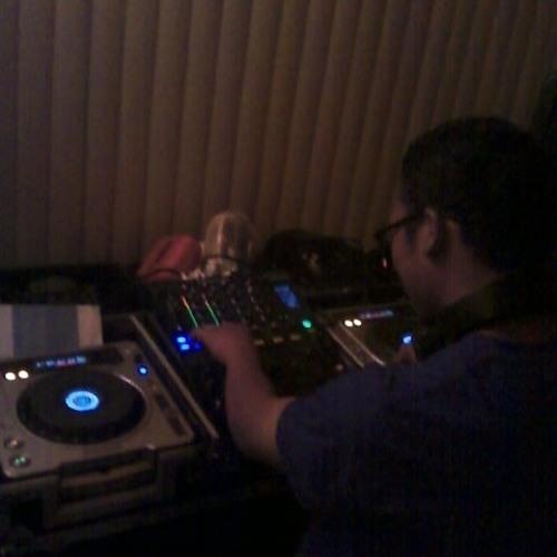 DJ Lewis VI's avatar