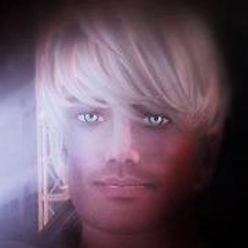 timdeschanel's avatar