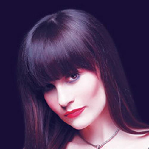 Larissa Ness's avatar