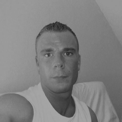 H3ndrik80's avatar