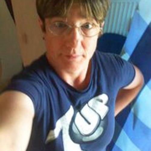 Silvia Armour's avatar