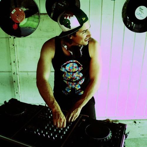 DJ Kickerz's avatar