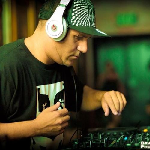 DJ NADE's avatar