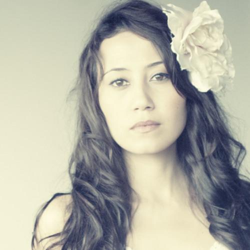 Angela Jelita's avatar