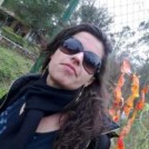 Flávia Ringis Barbosa's avatar