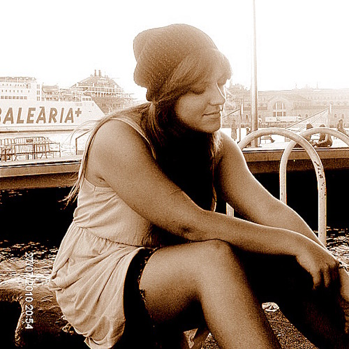 Maria Kiourti's avatar