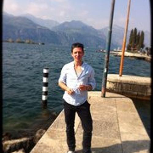 Arni Tol's avatar