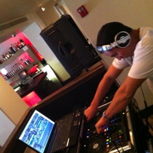 DJ RY's avatar