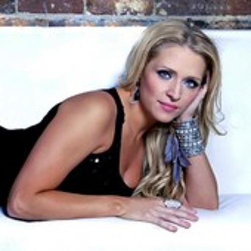 Crystal Hoyt's avatar