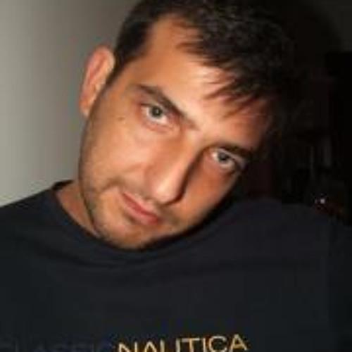 Daniel Carrilho's avatar