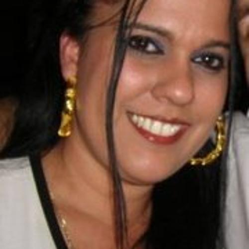 Louisa Kleopa's avatar