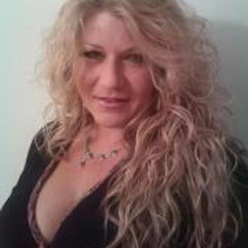 Anna Jolly's avatar