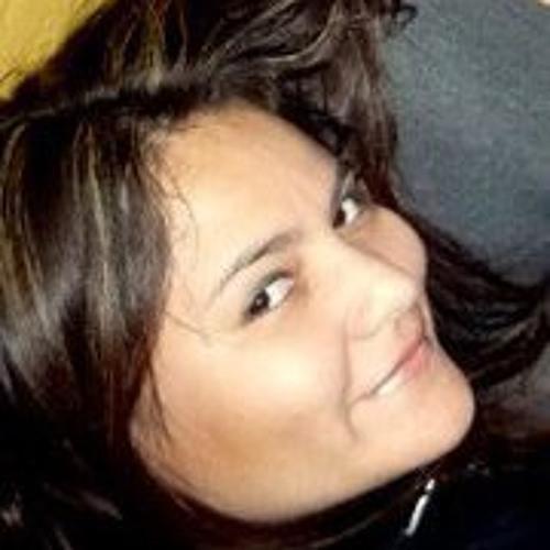 Renata Cabrales Rojas's avatar