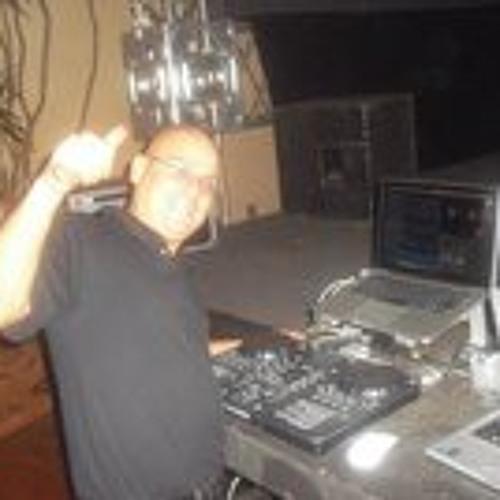 VJ Jonathan Carmo's avatar