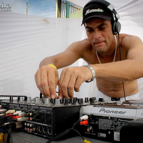 DJ Kamaleao's avatar