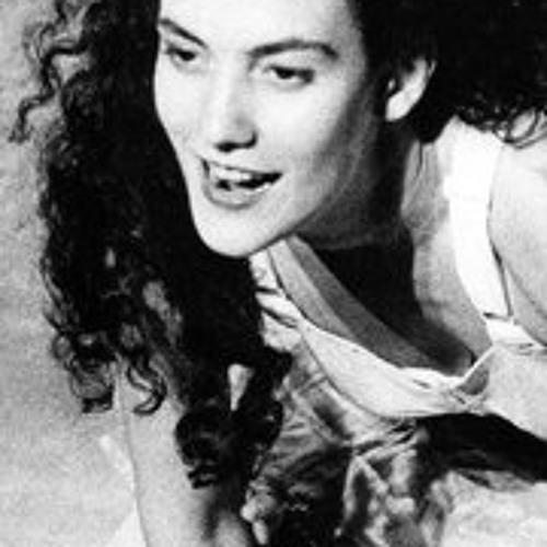 Beatriz Azevedo's avatar