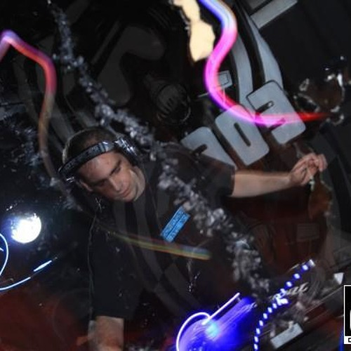 DJ-JAMIE-C's avatar