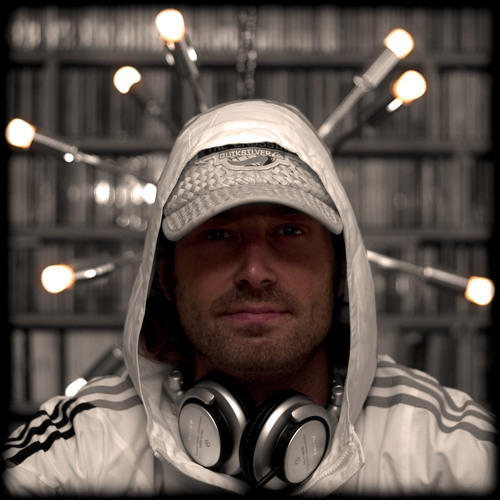 Ser-V -- Mas-Musica's avatar