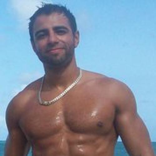 Rodrigo Montalvo's avatar