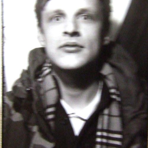 BENJAMIN's avatar