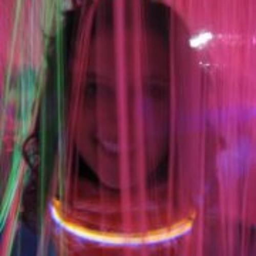 Julie Price's avatar
