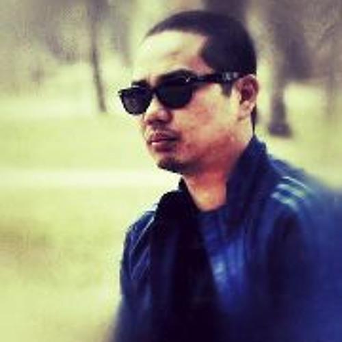 Dmitri Gil II's avatar