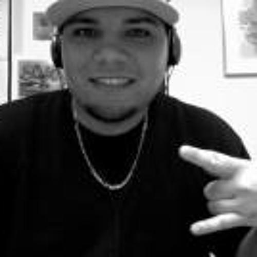 Michael Mateo Martinez's avatar