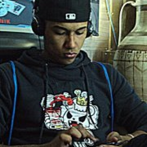 Hazael Valenzuela's avatar